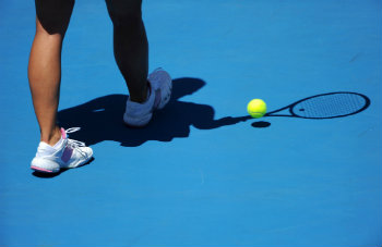 female-shadow-playing-on-hardcourt-dp