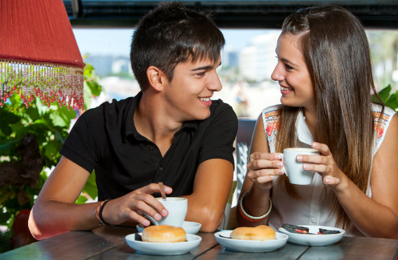 teen-couple-having-coffee-dp