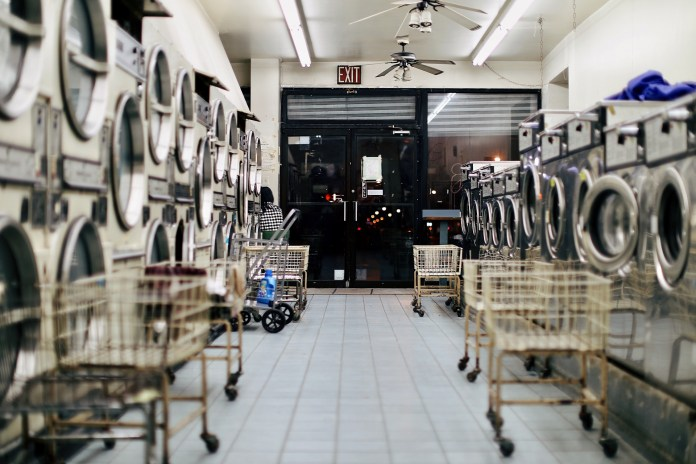 managing vacation rental laundry featured