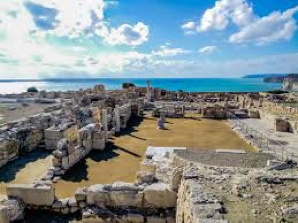 Sights in Cyprus: Ancient Kourion | FinnsAway travel blog