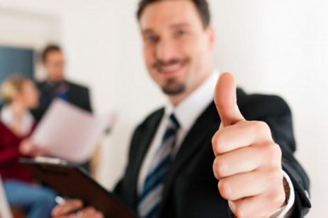 agente de servicios inmobiliarios exitoso