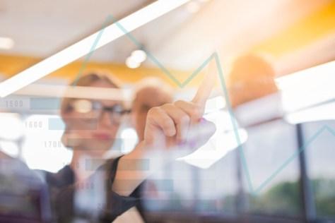 junta directiva tomas decisiones con análisis arrojado por big data inmobiliario