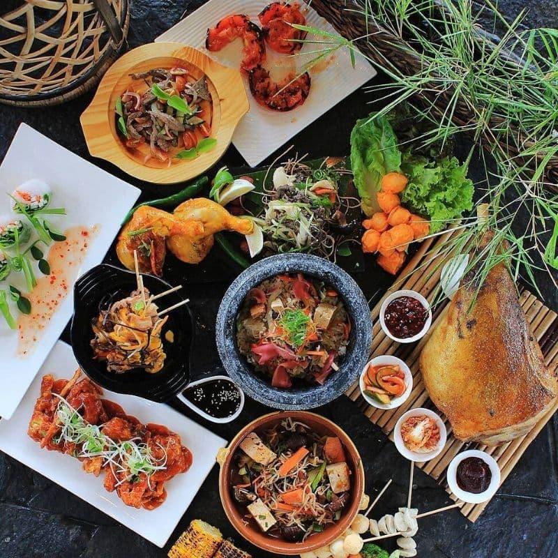crimson-mactan-buffet-breakfast-lunch-dinner