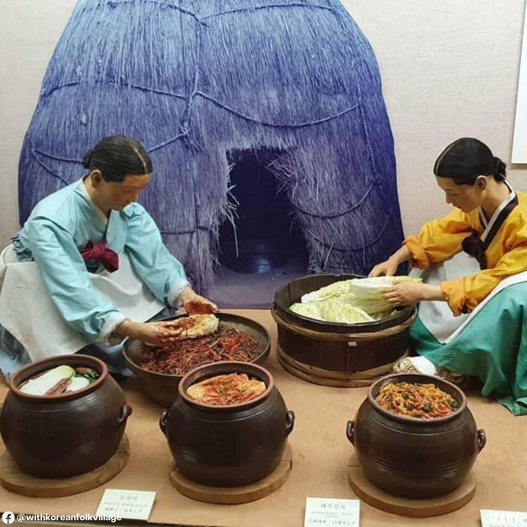 korean-folk-village-hanbok-min
