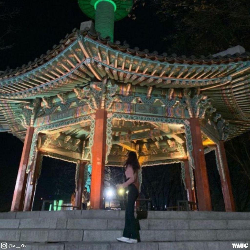 namsan-seoul-tower-at-night