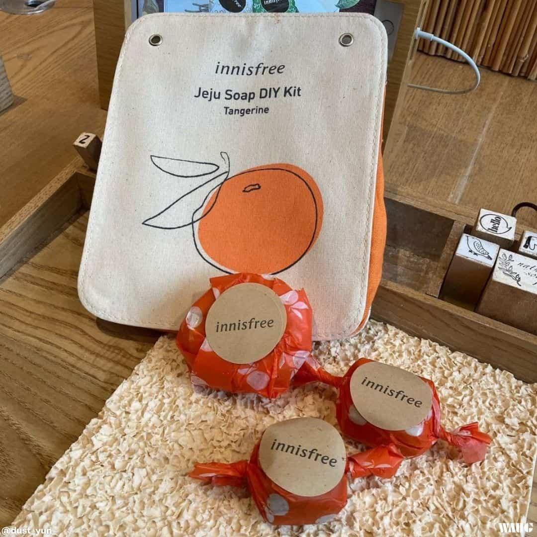Innisfree Jeju House soap making