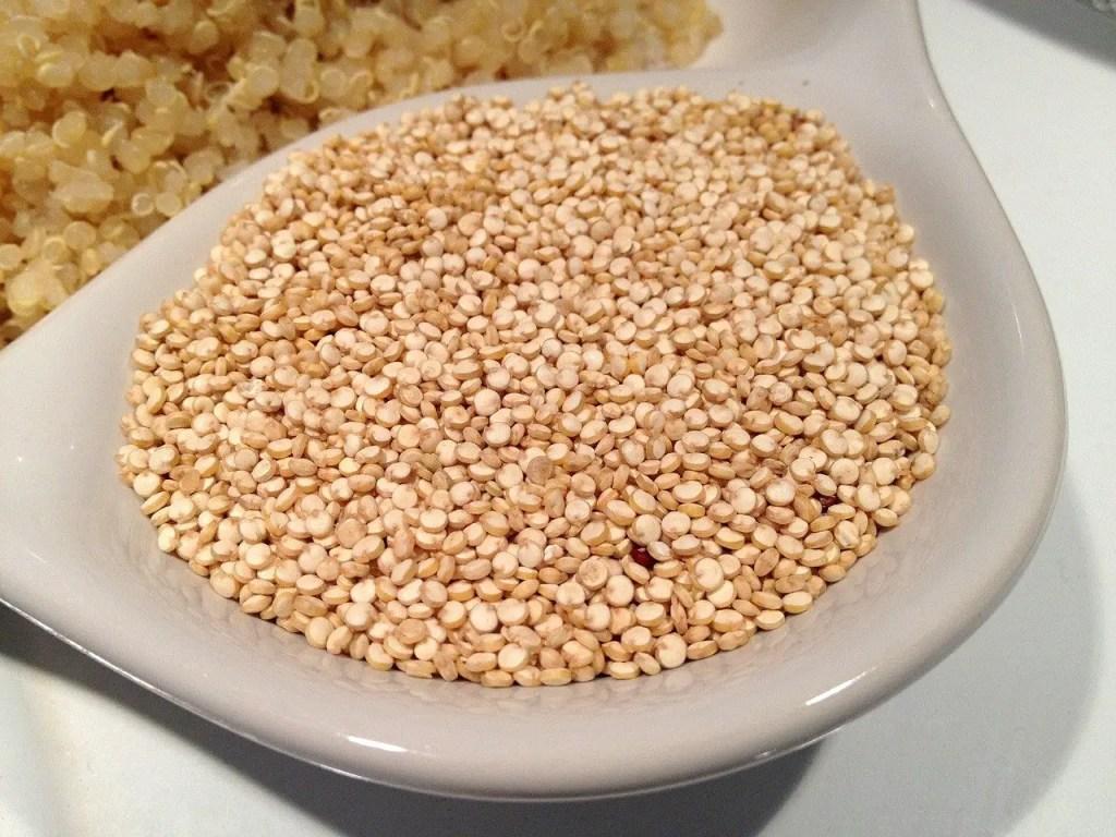 quinoa seeds to make flour