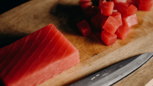 Sliced tuna meat for weight loss