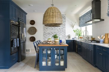 ASK A DESIGNER: Bold color on kitchen cabinets is a thing
