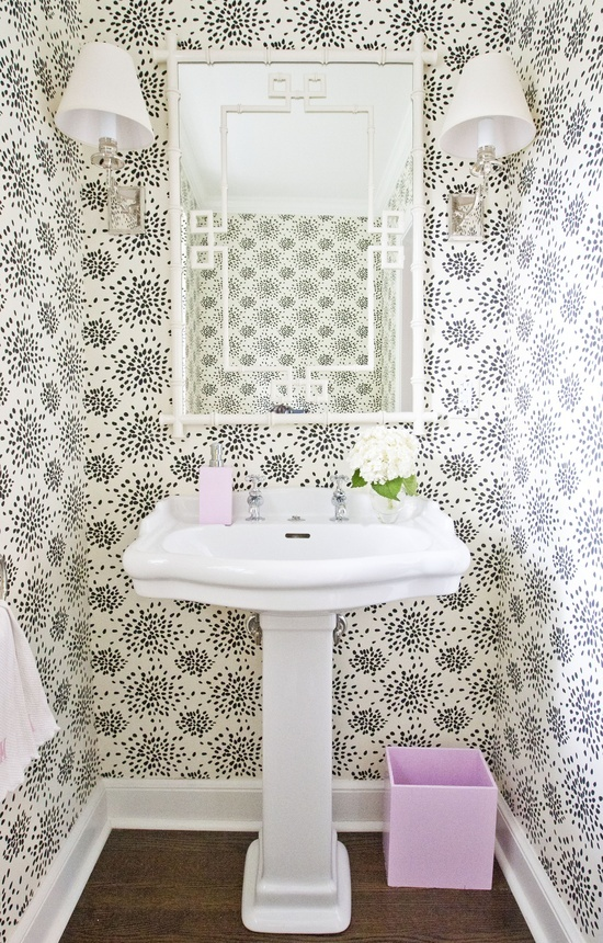 7 powder room statement wallpapers the well appointed for Statement wallpaper living room