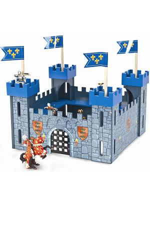Toy castle for His Royal Highness Prince of Cambridge from www.wellappointedhouse.com