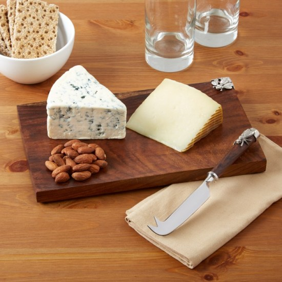cheeseboard-with-knife-bee-design