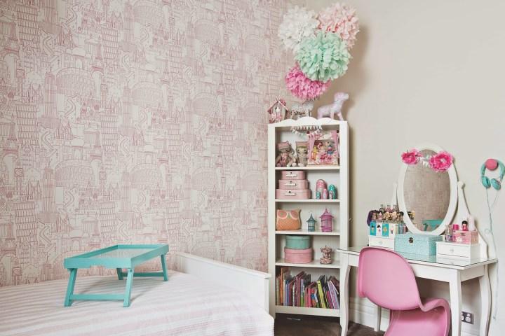 globetrotter-clarke and clarke-wallpaper-pink-Little-Liberty