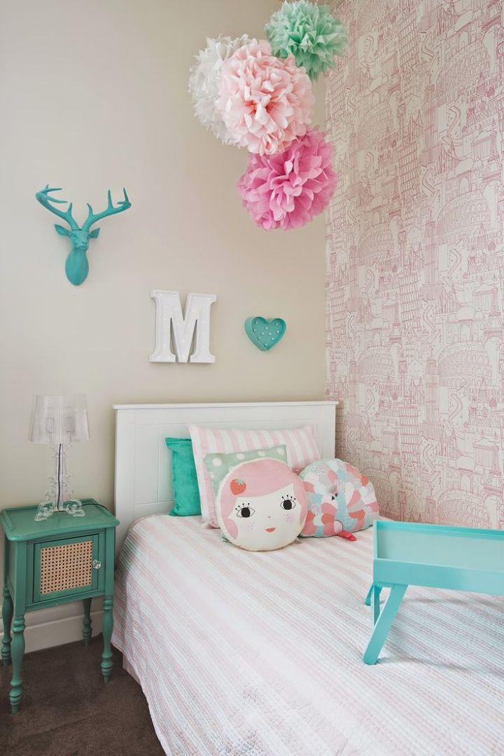 globetrotter-clarke and clarke-wallpaper-pink2-