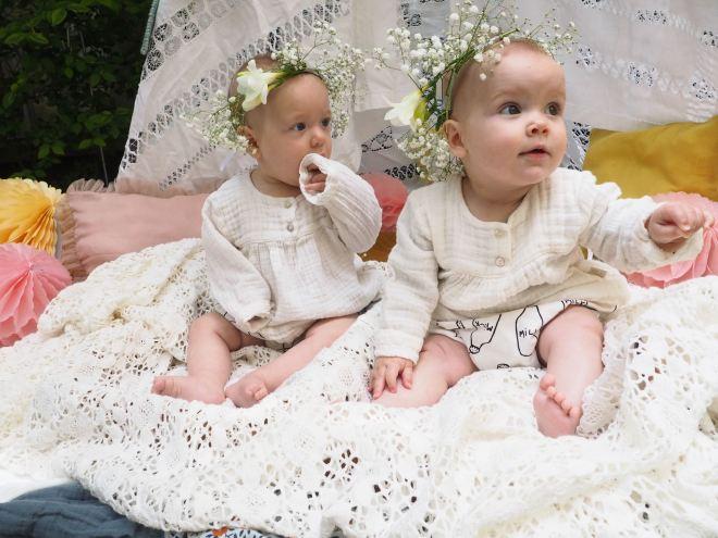 nous sommes des soeurs jumelles-5290107
