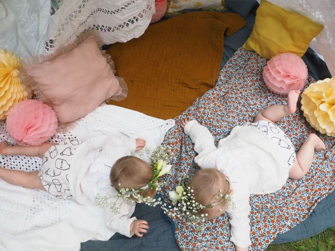 nous sommes des soeurs jumelles-5290198