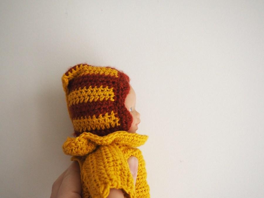 Les petits habits de poupée : Le béguin (tuto 1)