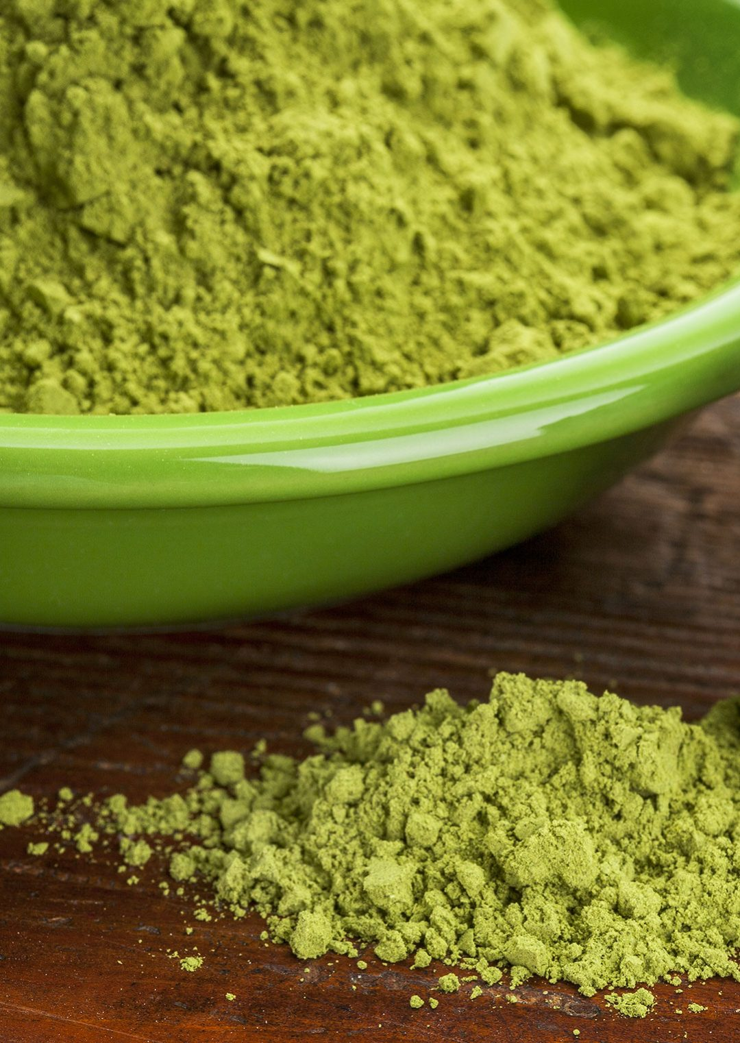 This Green Powder Is A Super Source Of Iron, Vitamin C, & Calcium! | What plant has more iron than spinach, more potassium than bananas, and more calcium than milk? Moringa! Learn about the benefits of moringa, plus 5 good reasons to add it to your diet! | WildernessFamilyNaturals.com