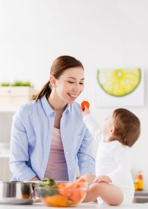 7 Ways to Simplify Meal Planning for New Moms