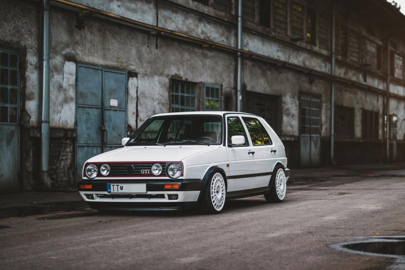 Gold GTI de Young Timer