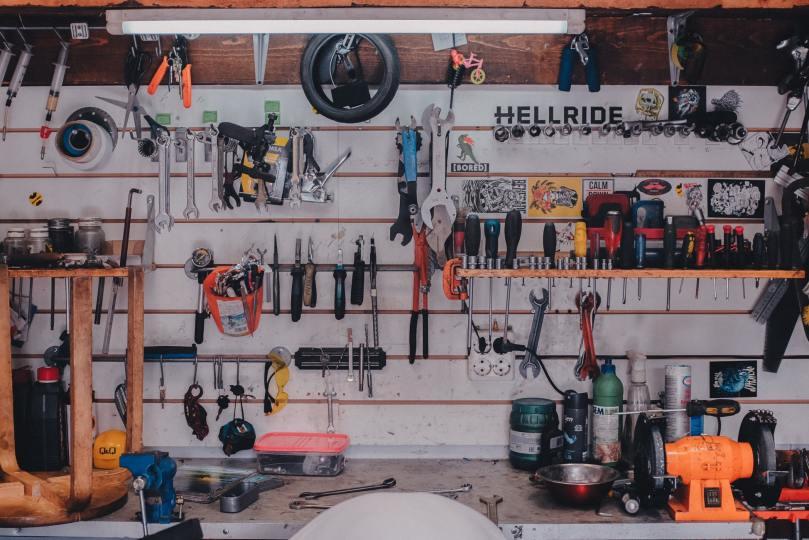 Garage avec des outils