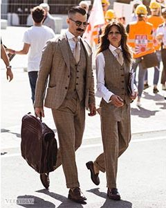 wholesale dealer 9d81c 4828d Best Summer Trends For Gentlewomen Spotted At Pitti Uomo 94 -
