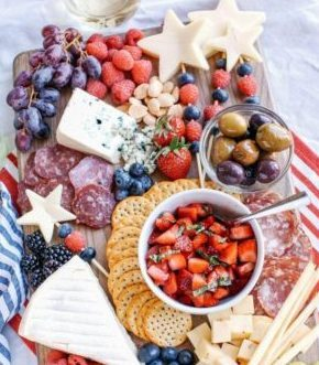 d6803a4bb3 BBQ apps can be tricky, for this you'll want easy edibles for your guests  to munch on. A red, white and blue fruit plate is the perfect way of adding  some ...