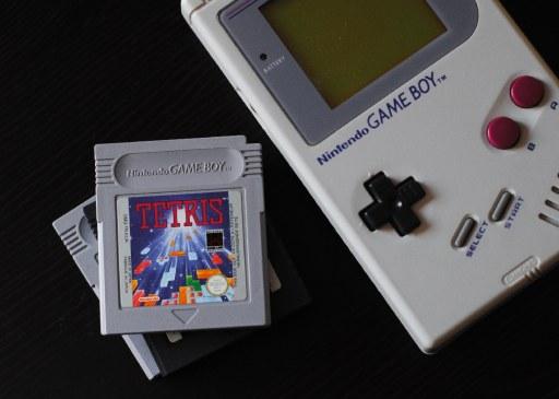 Nintendo tech pivot example, gameboy