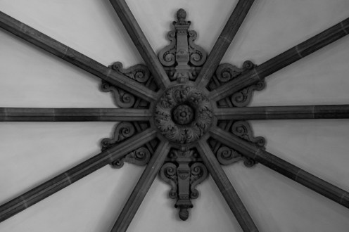 A detail shot of the ceiling in the lobby of the Hamburg city hall.