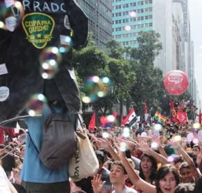 Protest in Rio de Janeiro at start of 2014 FIFA World Cup. (c) Camila Nobrega