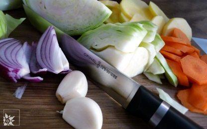 Borschtsch Zutaten schneiden