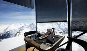 Tisch im IceQ in Sölden