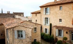 Häuser Hotel Crillon Le Brave