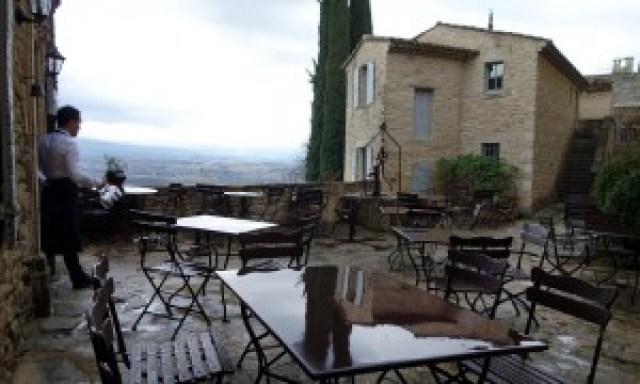 Innenhof, Regen | Hotel Crillon Le Brave