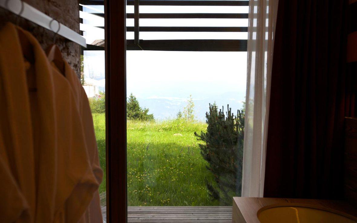 Badewanne mit Dolomitenblick im Vigilius