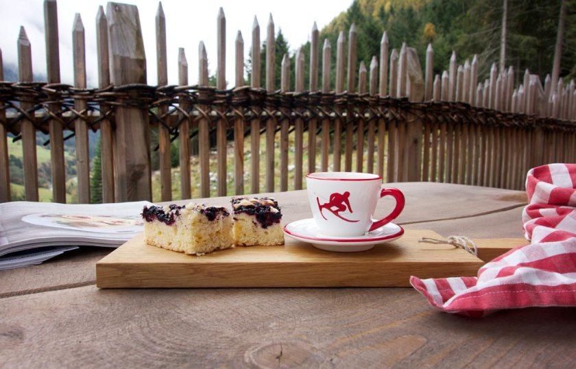kaffee-kuchen-gletscherchalet-stubai