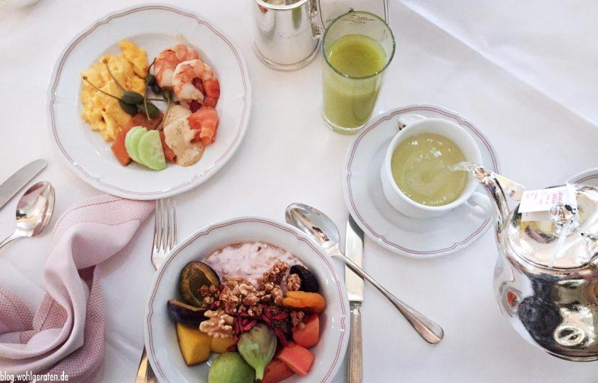 Frühstückstisch Grandhotel Kronenhof Pontresina