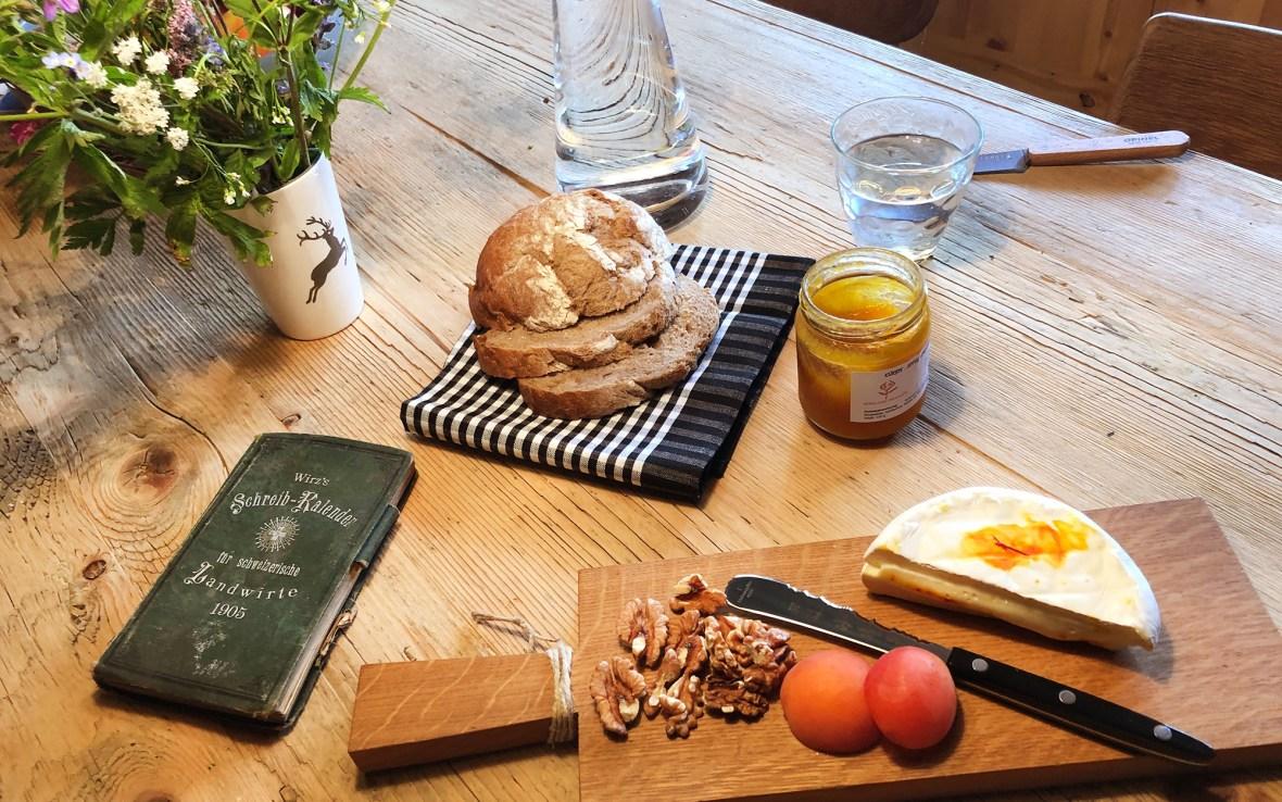 Frühstückstisch in Ernen