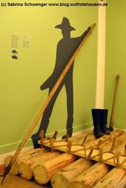 Ein Floßmodell kann im Bezirksmuseum Dachau besichtigt werden.
