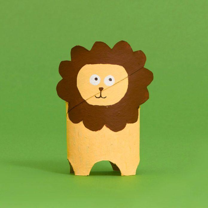 lion toilet paper