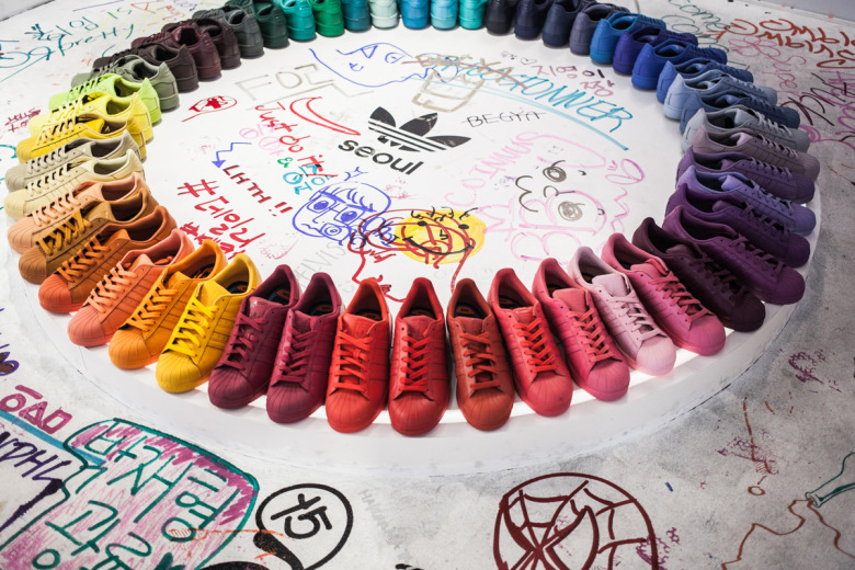 adidas-originals-seoul-flagship-store-features-crowd-sourced-art-in-the-supercolor-studio-4