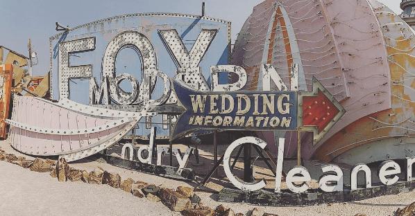 THE WEDDING BOOK'S Vegas Wedding - Workman Publishing