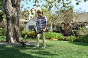Electric vs. Gas Weed Eater: Why Electric Wins Every Time
