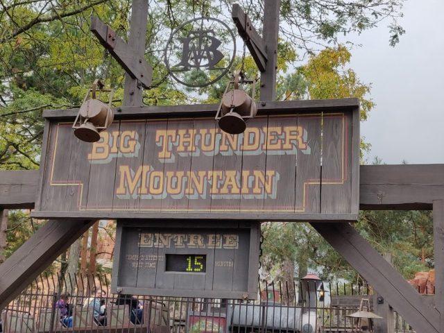 Lage wachttijd bij Big Thunder Mountain