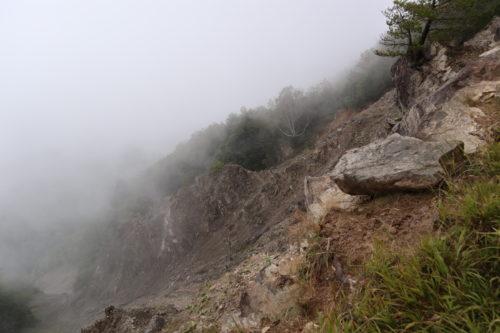 池口岳黒灘
