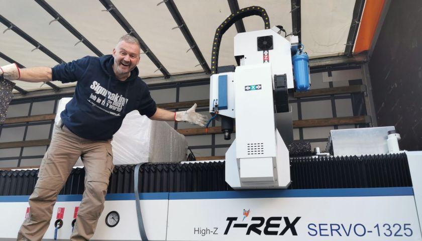 Anlieferung der T-Rex CNC-Fräse