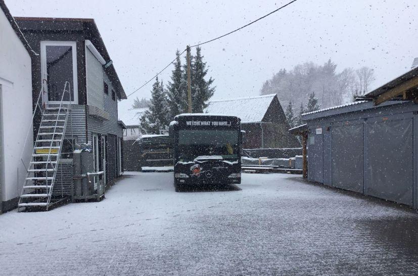 Yellotools Infoliner Bus im Schnee