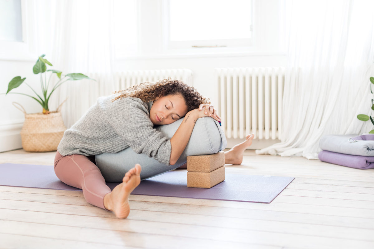 the ultimate guide to yoga bolsters yogamatters blog