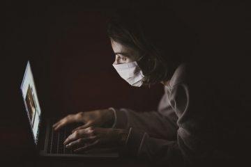新型コロナウイルスとパソコン