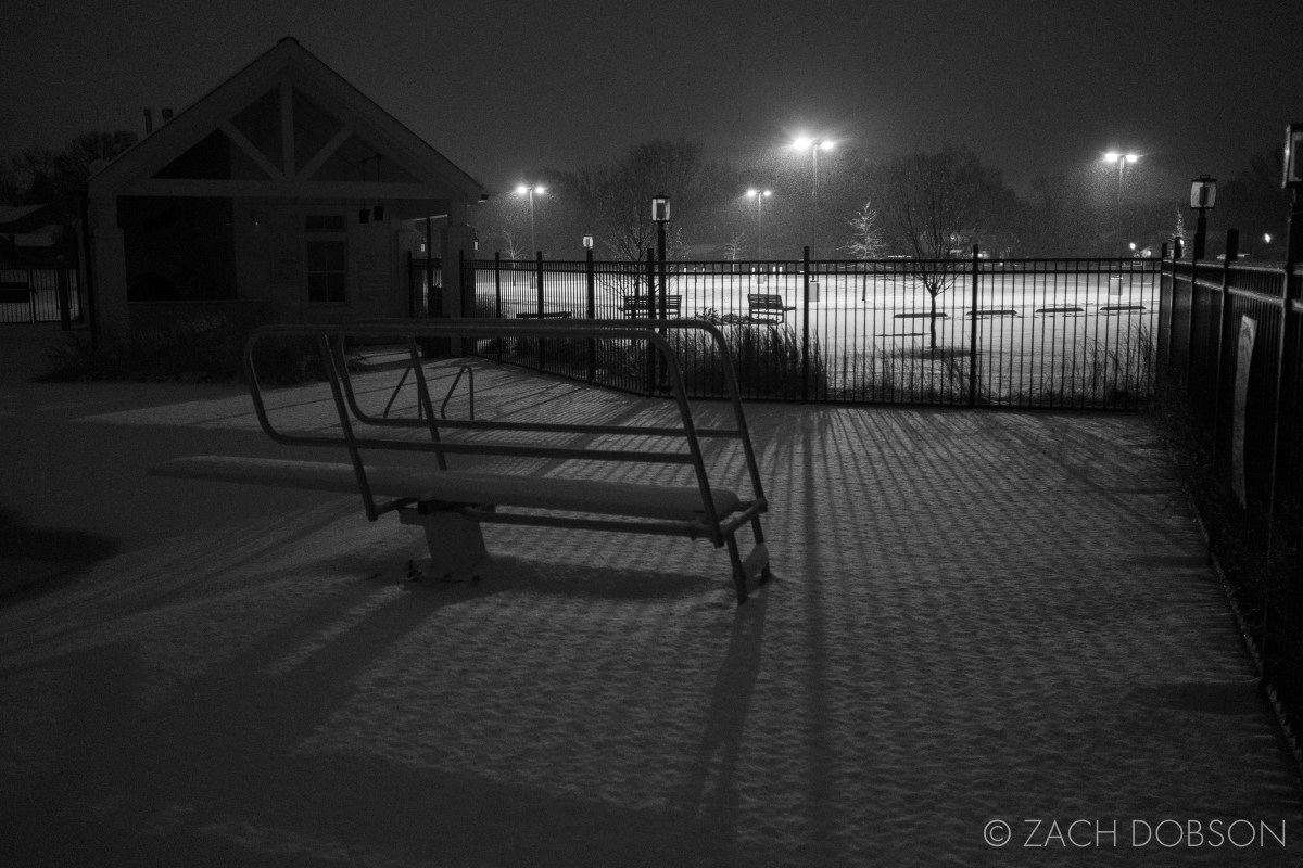 photos of night snow in Indiana at the pool